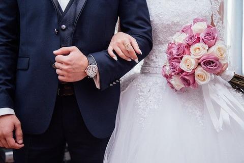 【悲報】「結婚式のお車代を催促してくる友人が非常識」にツッコミ炸裂→ その詳細がこちらwwwwwww
