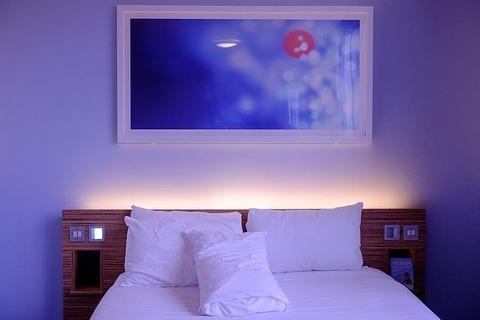 bedroom-1285156_640