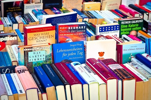 books-2840585_640