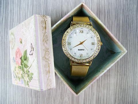 watch-1315744_640