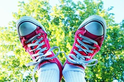 feet-1621110_640
