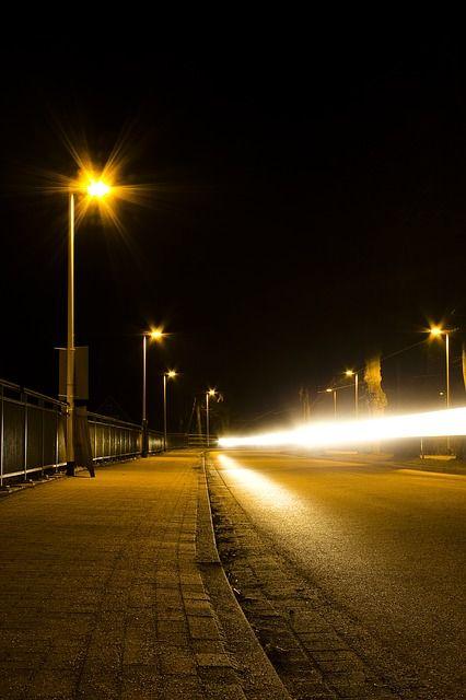 street-at-night-1583701_640