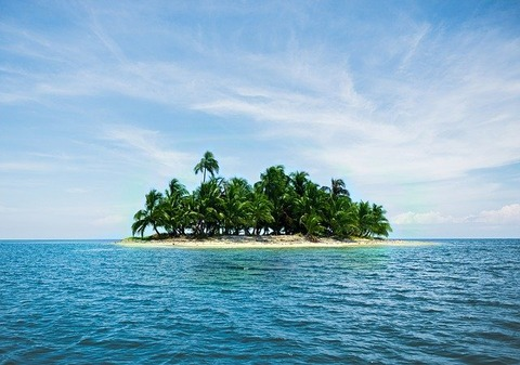 island-2482200_640