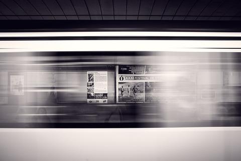 departure-platform-371218_640