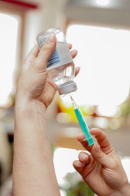 【驚愕】プーチン大統領、世界初のコロナワクチンを娘に投与!!→ 結果……