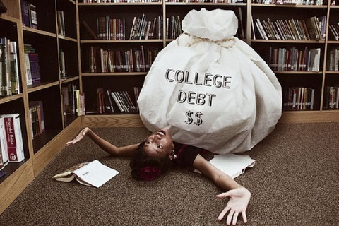 奨学金の返済が辛い