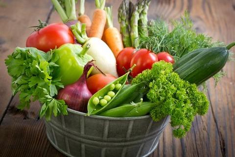 【エンタメ画像】がん予防効果のある身近な食品6つとその作用www「にんにく」「ブロッコリー」「クランベリー」「トマト」「ぶどう」「緑茶」【画像あり】