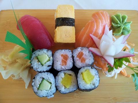 sushi-142579_640