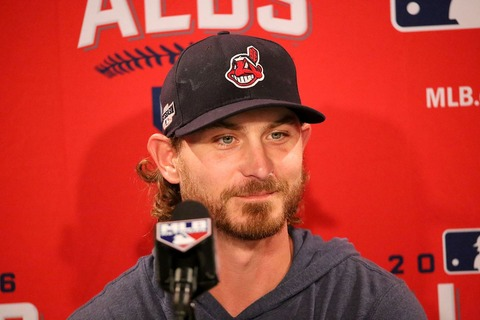 2016-10-08_Josh_Tomlin_meets_the_media_in_Boston