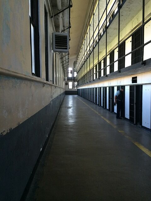 prison-598851_640