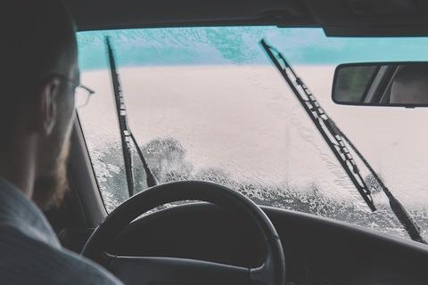 car-2607059_640