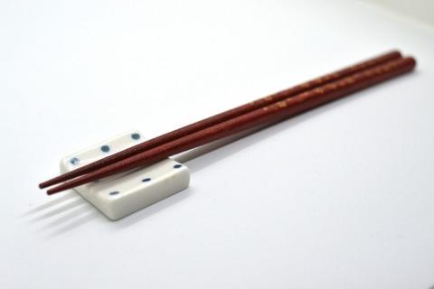 【狂気】ワイ、ババア80の箸を生ゴミにつけておいた結果wwwwwww