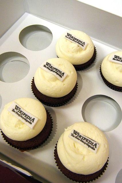 cupcakes-617720_640