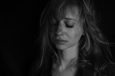 sadness-4578031_640