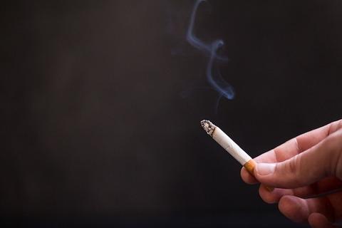 cigarette-2410715_640