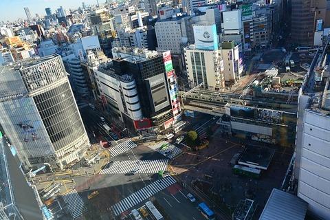 【驚愕】渋谷駅に展示されている橋本環奈の広告がヤバいwwwwwwww(画像あり)