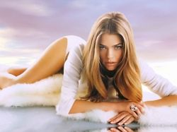 Denise-Richards-Demands-Public-Apology-From-Charlie-Sheen-2