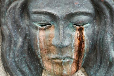sculpture-2481969_640