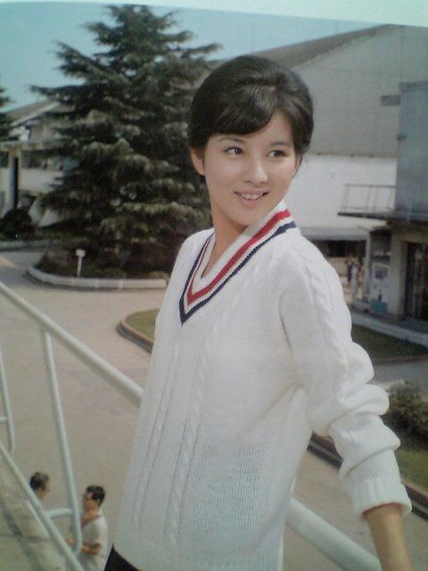 セーターの吉永小百合