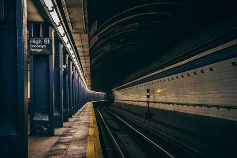 subway-2893846_640