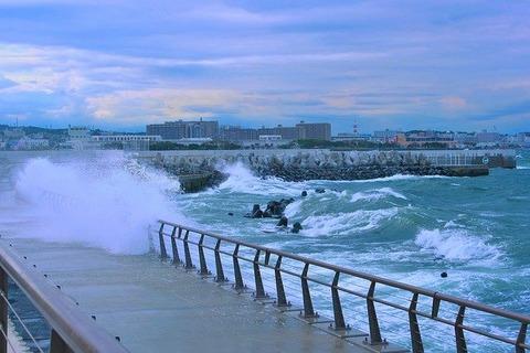 typhoon-1725056_640