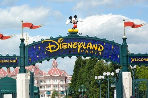 disneyland-paris-2272907_640