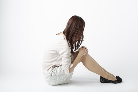 うつ病で自殺を考える女性