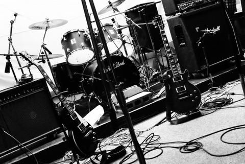 【速報】秋元康のガールズバンド、日本の音楽を徹底破壊wwwww