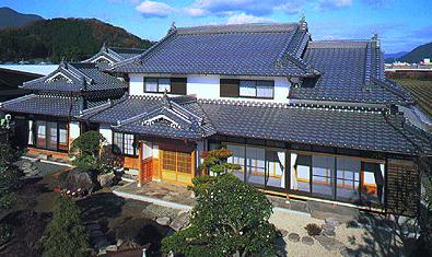 岐阜県のクソ田舎で家賃5000円の豪邸に住んだ結果wwwwwwww