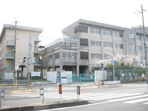 Neyagawa_municipal_Nakakida_Junior_High_School