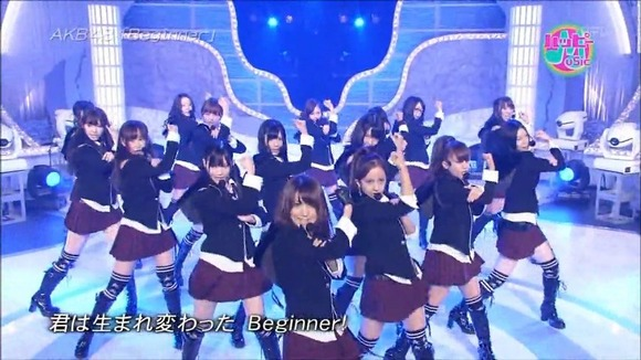 eG9maHp6MTI=_o_live-akb48---beginner-101029-happy-music-hd-720p