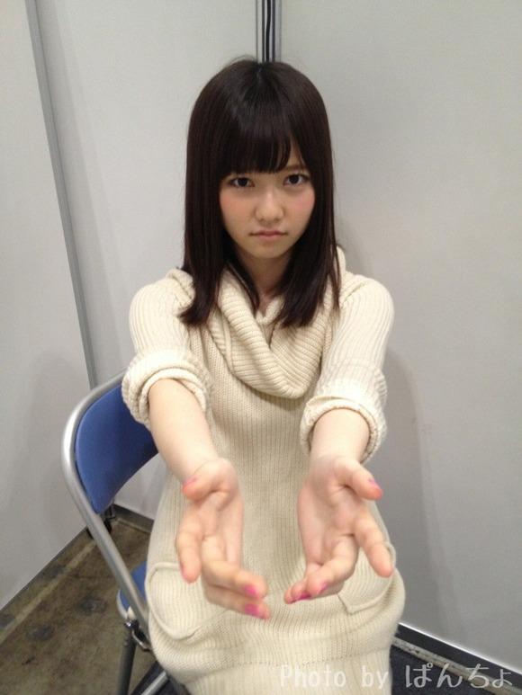 【定期】島崎遥香さん、土日の大握手会不参加のお知らせ。なお昨日は映画祭に出席