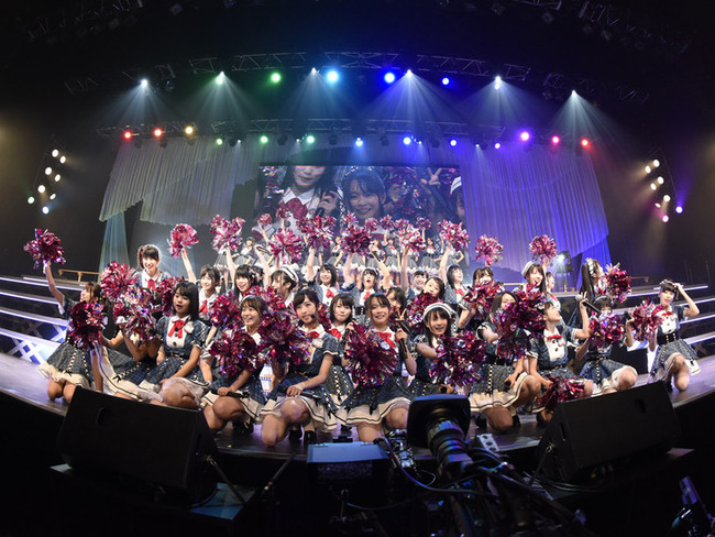 news_header_akb48team8_20170116_05