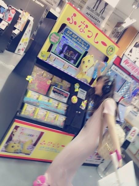 no title  中村麻里子「梅田さんがふなっしーのCD聞いて、ぶるぶるしてる。」  【画像】