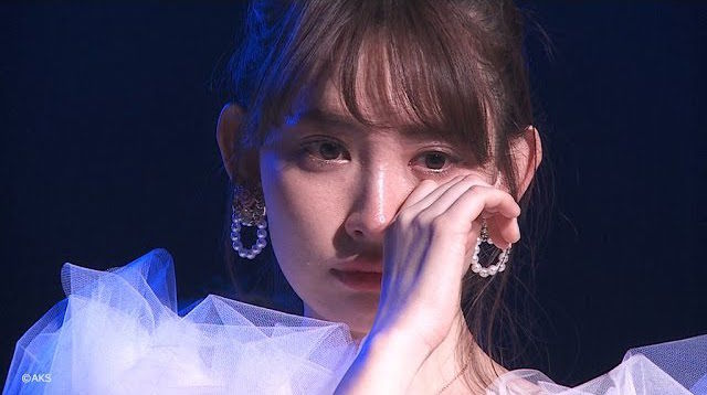 [動画] こじはる、秋元康氏の手紙に涙<卒業公演ダイジェスト>