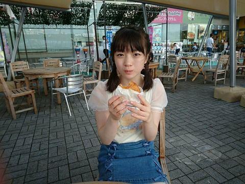 SKE48坂本真凛は「カレーパン」食べてるだけでかわいい!