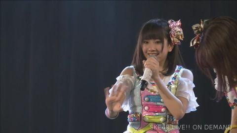 SKE48相川暖花さん、劇場で固まってるんだがこれどうしたんだ?