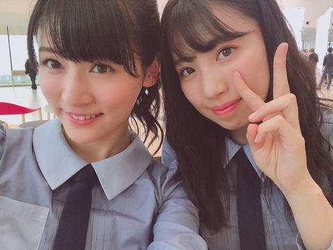 NGT48村雲颯香と写真を撮る荒井優希!相変わらず謎のコミュ力を発揮