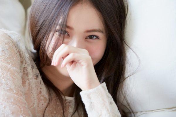 【悲報】佐々木希さん、生乳を揉まれて感じてしまうwwwwwwwwwwww(画像あり)