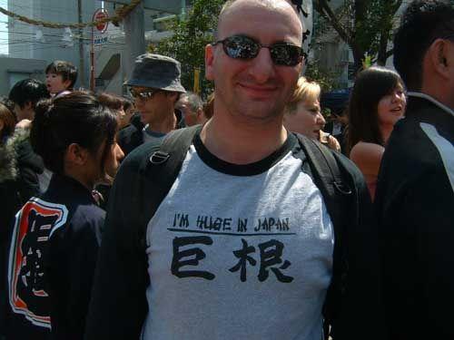 【エンタメ画像】《爆発的人気》日本のしょーもない芸人、異国で大ヒットする・・・(movie・画像あり)