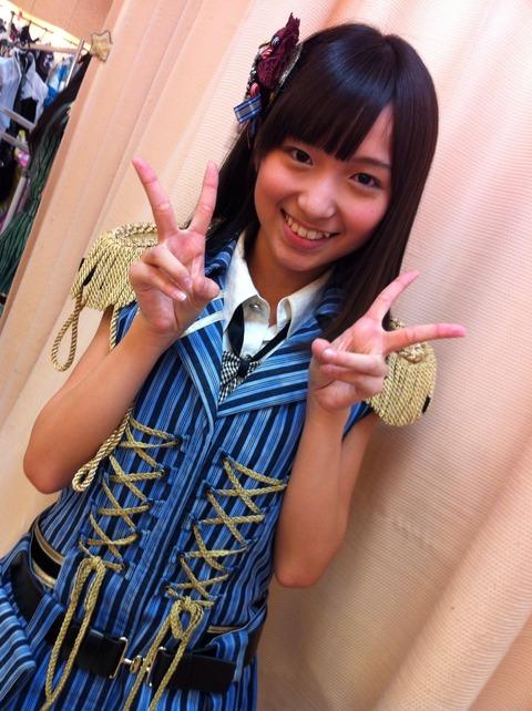 http://livedoor.blogimg.jp/akbmatomeatoz/imgs/2/5/25483e26-s.jpg