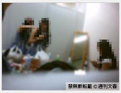 週刊文春20150326-AKBカラー1