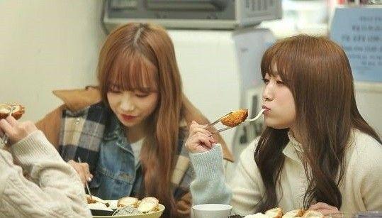 矢吹奈子、韓国でトンカツを食べる 「日本で食べたのより美味しい」と感激