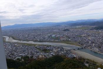 岐阜城上空から長良川