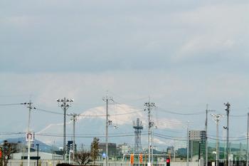i雪は、山頂付近ですかね!