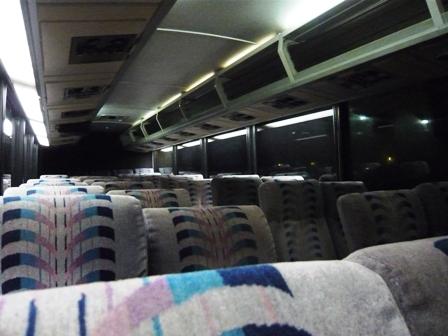 送迎バスの車内