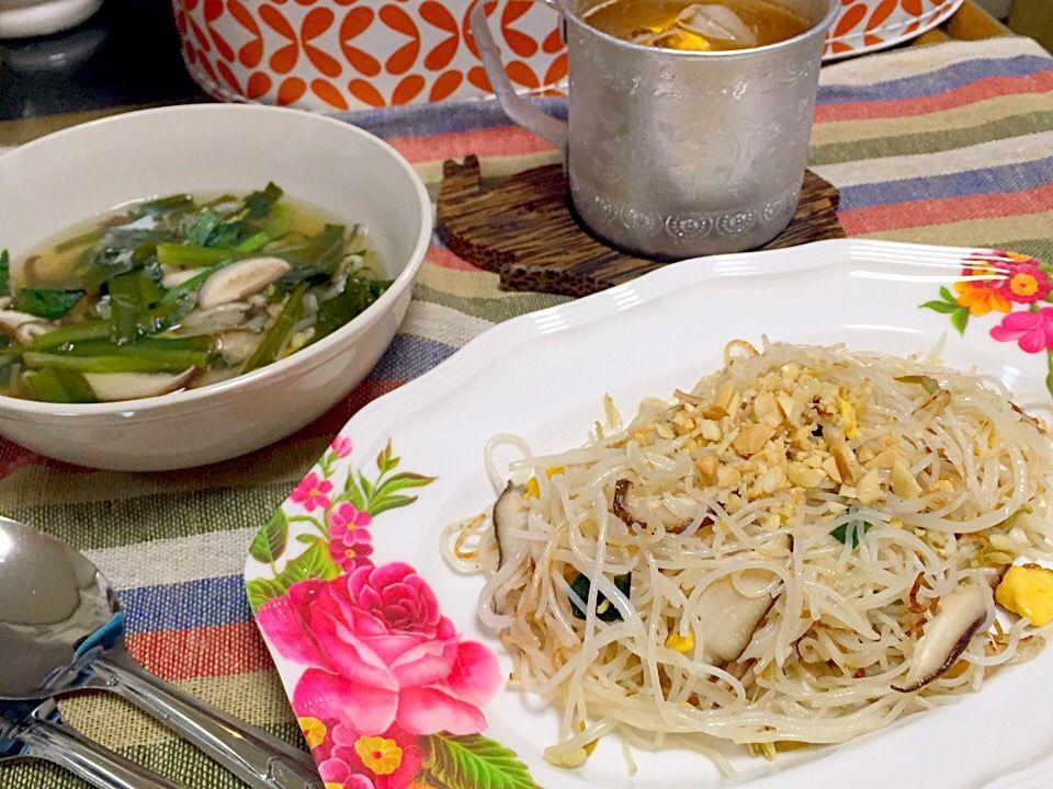 パッタイ(タイ風焼きビーフン)&タイ風レモンスープ SnapDish 料理カメラ