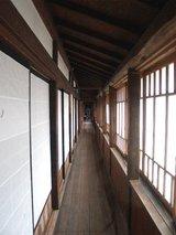 中谷家11軒の廊下.jpg
