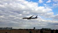 空港と飛行機-300