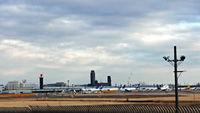 公園からの空港全景